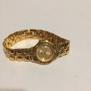Pierie Cardin 31882 Gold Tone women watch